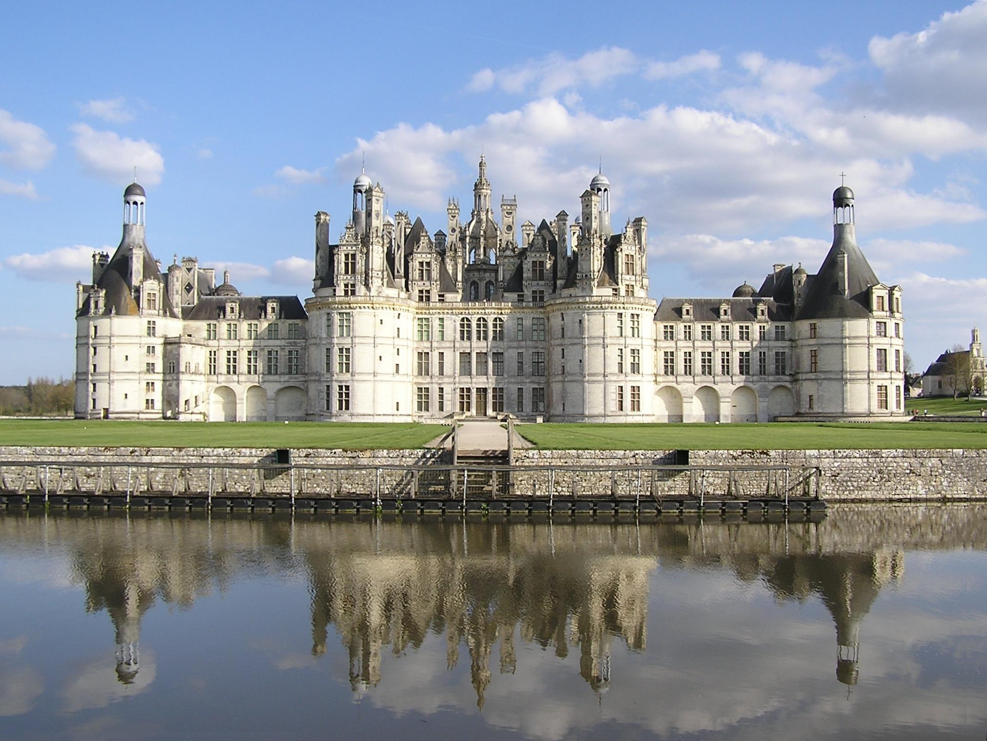 себе дворцы замки мира с описанием и фото это какая-то