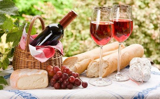 Бордо: найстаріший виноробний регіон Франції